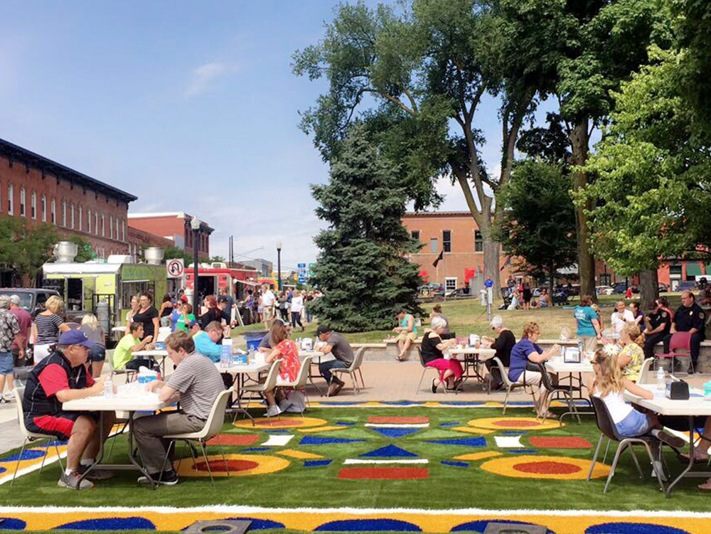 Community building, from space to place, Lighter, quicker, cheaper, Social design, Pop up park, Place testing, Spatial design, Inclusive, Childfriendly, Urban Space, Transforming Public space, artificial grass